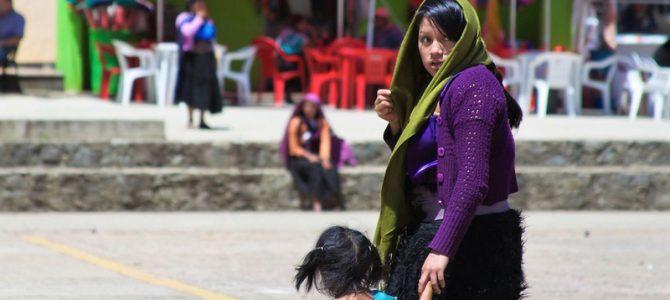 Die Tzotzil Mayas in Mexiko: Schnaps, Hühnereier und der Rülps